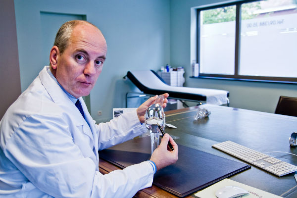 Dr. Veeckman en gonarthrose